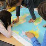 """Schulklassenprojekt für 4. Klassen in der Maxvorstadt """"Flaschenpost gefunden! – Was dir das Wasser erzählt."""""""